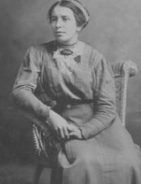 Bertha R Specht